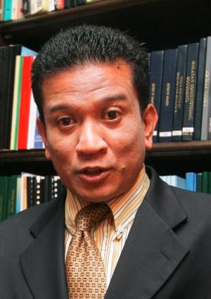 Prof. Madya Dr. Agus yusof merupakan seorang penganalisis isu ekonomi yang lantang menentang TPPA