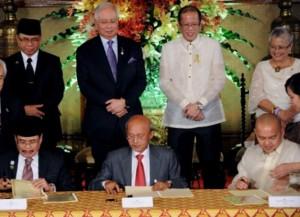 Perjanjian Damai Manila - MILF 2012 merupakan detik bersejarah umat Islam Moro mendapat kuasa autonomi dari kerajaan Filipina