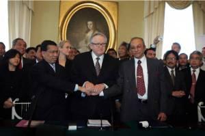 Pelaksanaan Perjanjian Damai Helsinki akan menjadi kenyataan dari harapan rakyat Acheh untuk membawa perubahan dan kemajuan yang signifikan terhadap kehidupan rakyat yang telah lama hidup dalam penderitaan dan kekerasan tentera Indonesia